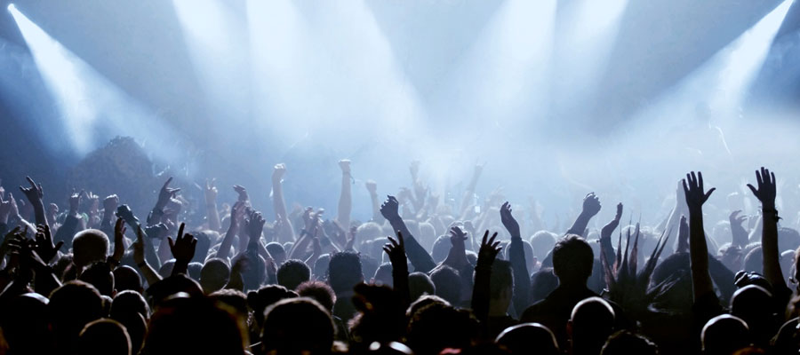 Best time to visit France and attend american music concerts
